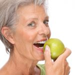 Protesi fissa: come prendersene cura