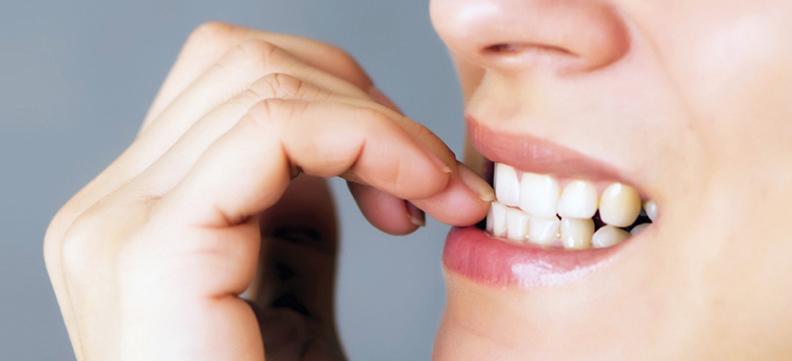 Denti in salute: 5 cattive abitudini da eliminare