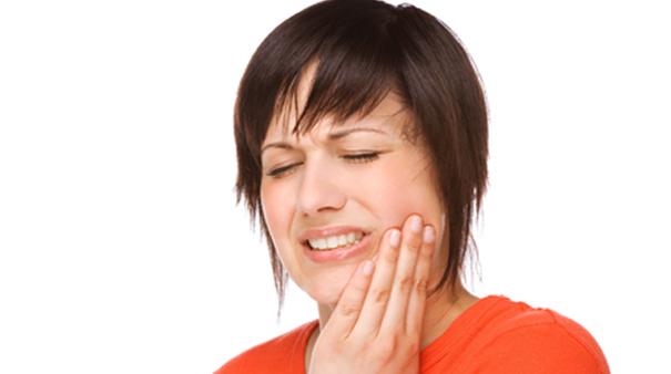 Sensibilità dei denti: cure e rimedi per fastidio e dolore